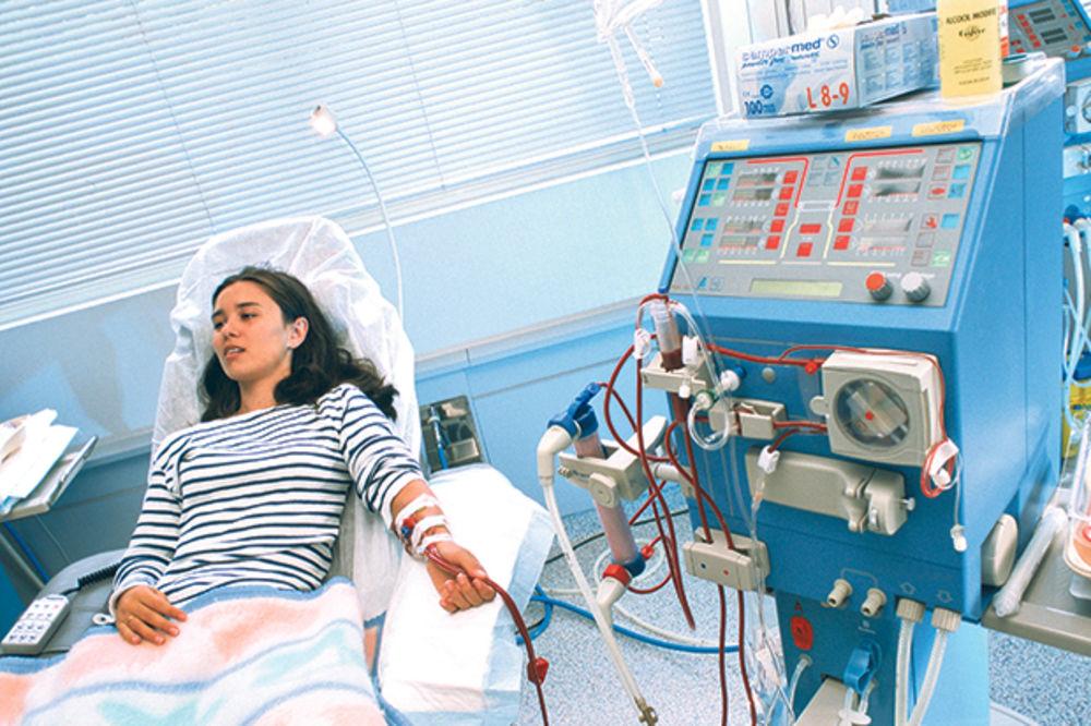 RFZO KUPIO OTROVNE DIJALIZATORE: Bisfenol A na hemodijalizi direktno ubacuje u krv pacijenata!