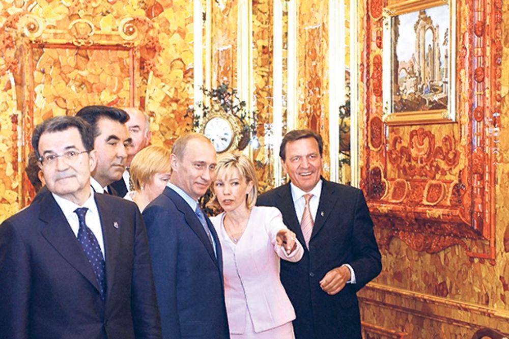 """VELIKA TAJNA: """"Ćilibarsku sobu"""" traže i političari i špijuni!"""