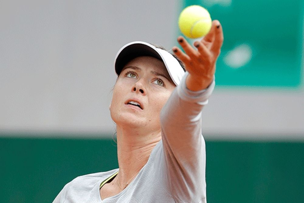 (FOTO) PROVOKATIVNA MAŠA: Pogledajte stajling Marije Šarapove na treningu