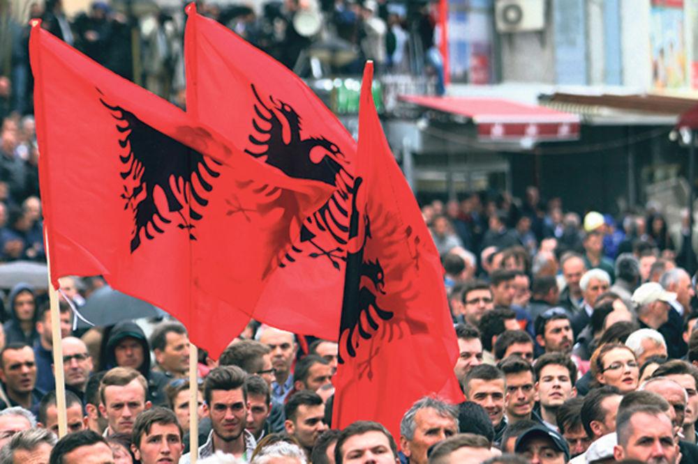 ZAMKA ZA VUČIĆA: Albanci spremaju protest zbog srpskog premijera!