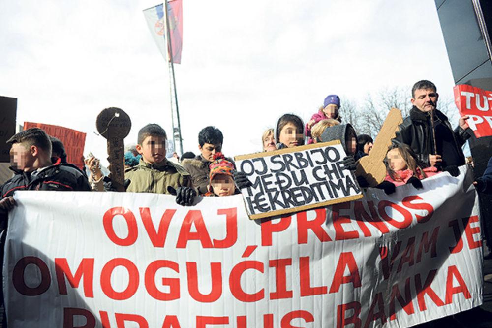 DOGORELO ZBOG ŠVAJCARACA: Dužnici u Srbiji obustavljaju otplatu kredita!