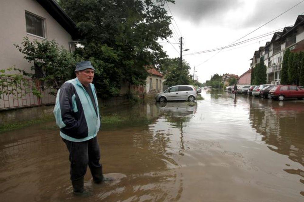 VANREDNO U NS: U tri smene dok traju problemi s padavinama