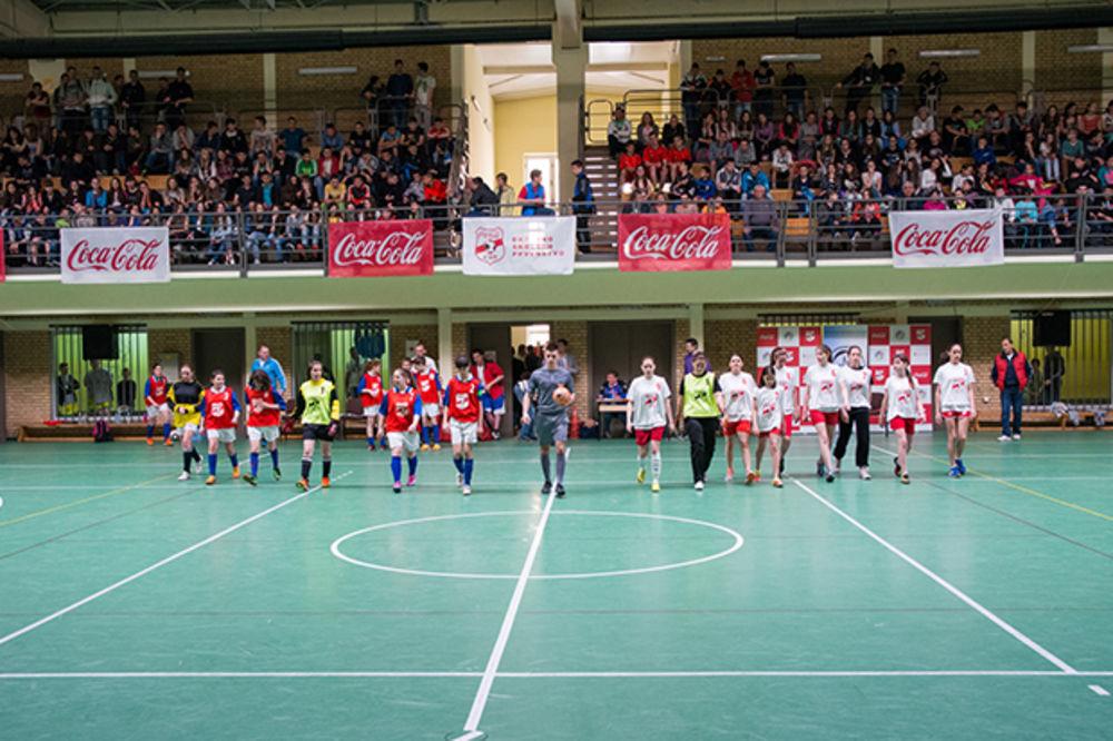Za ovogodišnji Coca-Cola kup u malom fudbalu takmičiće se 1000 učenika iz cele Srbije