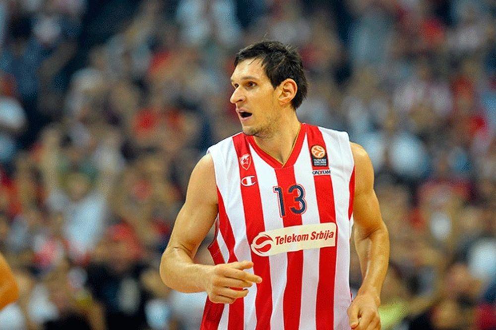 DRUŽENJE SA DOBRIM DŽINOM: Boban Marjanović posetio košarkašice Srbije