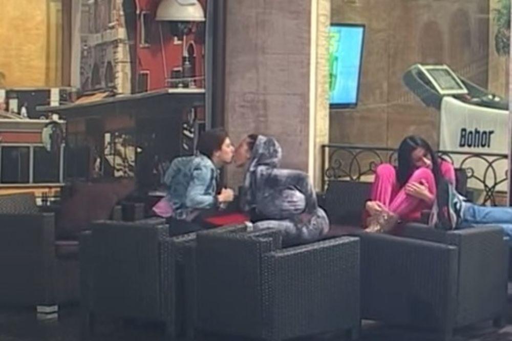 (VIDEO) LEZBO AKCIJA: Matora i Tijana se poljubile u dvorištu!