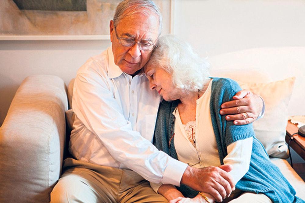Prosečna penzija jedva preko pola plate