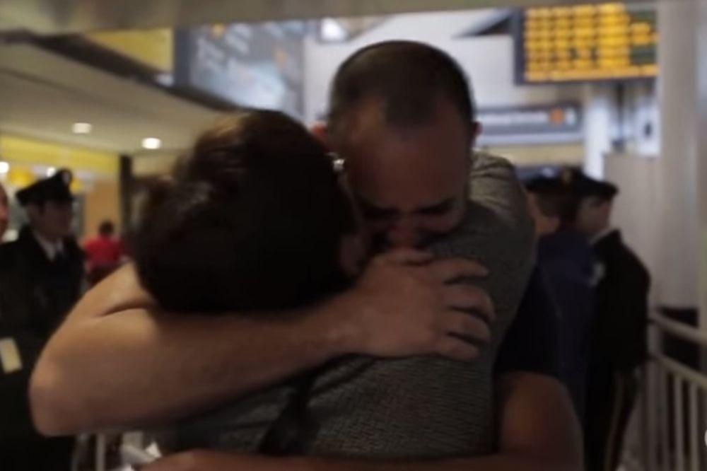 NIKADA NE TREBA ODUSTATI: Majka zagrlila sina nakon što je 41. godinu mislila da je mrtav!