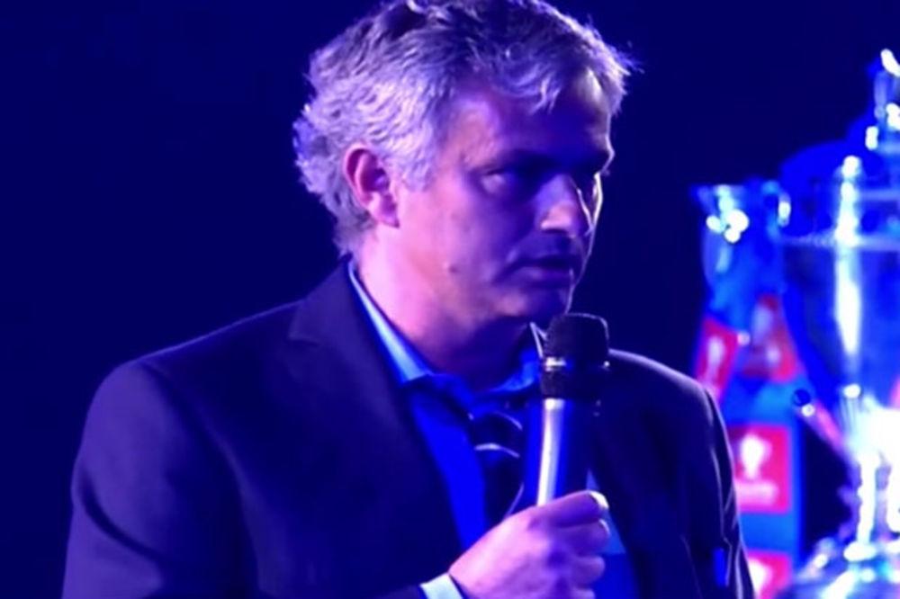(VIDEO) OVO MOŽE SAMO POSEBNI: Evo kako je Murinjo prozvao Arsenal, Siti i Junajted