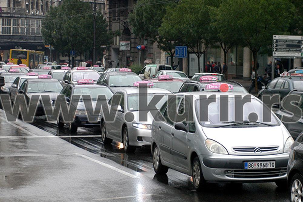 OPROŠTAJ OD TEODORA GAĆEŠE: Taksisti Pink taksija održali komemorativnu vožnju ulicama Beograda