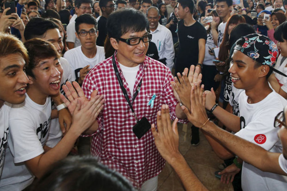 SLAVNI GLUMAC LOBIRA ZA KINEZE: Džeki Čen podržao kandidaturu Pekinga za ZOI