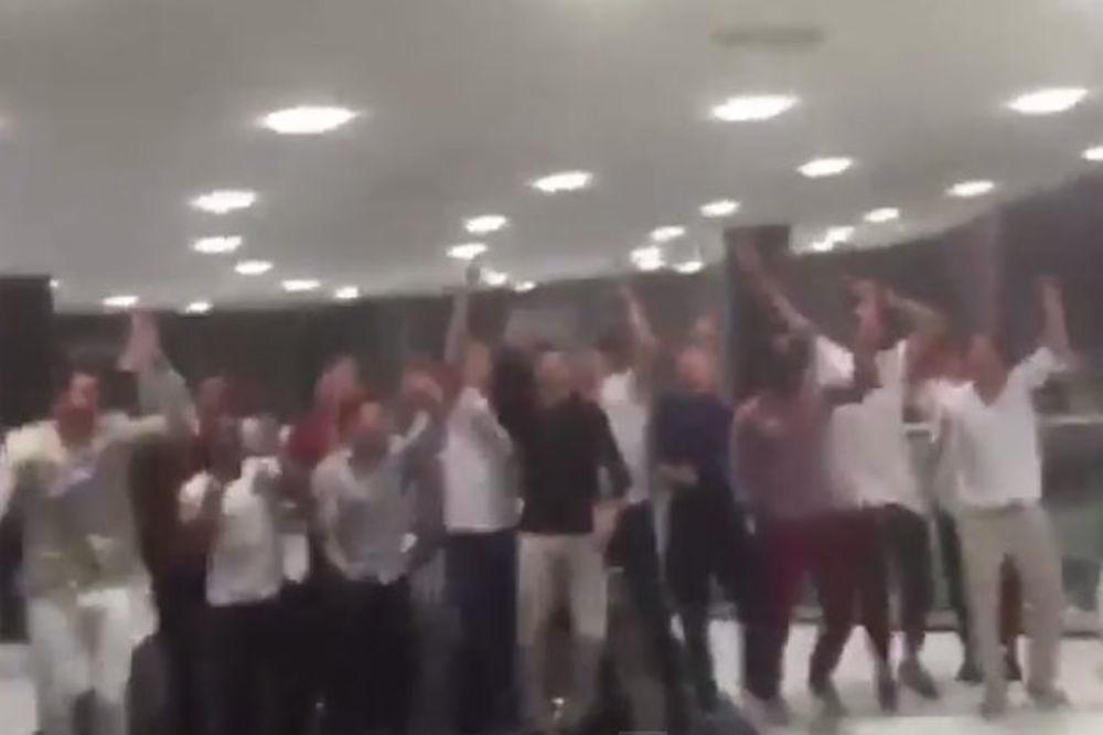 (VIDEO) LUDI ŠOU IGRAČA LIVERPULA: Marković i društvo zapalili Dubai