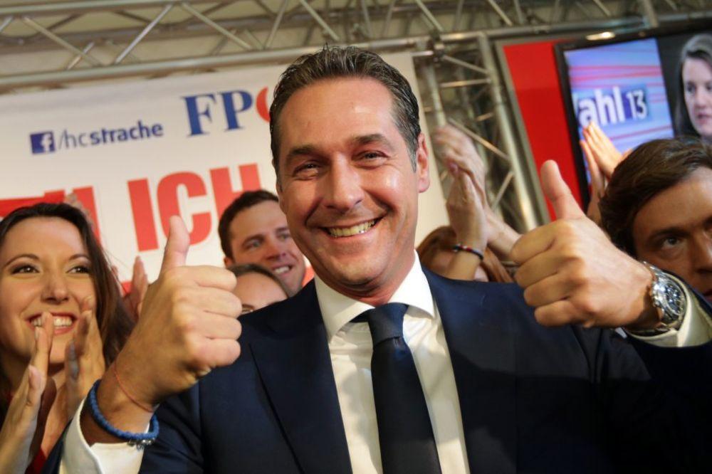 VRUĆE POLITIČKO LETO U BEČU: SPO gubi glasače, a slobodarci dostigli 30 posto podrške!