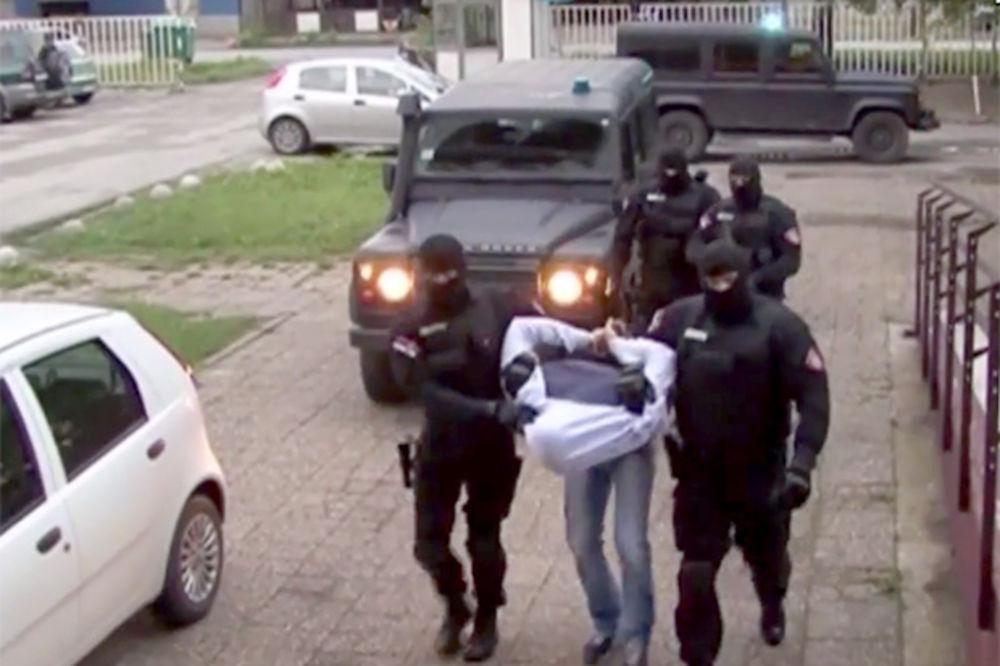 (VIDEO) AKCIJA ČISTAČ U VRBASU: Pogledajte hapšenje napadača na češkog diplomatu!