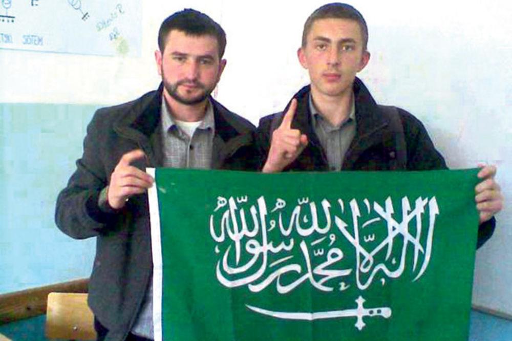 STRAŠNO: Džihadisti IS regrutuju decu po školama Srbije!