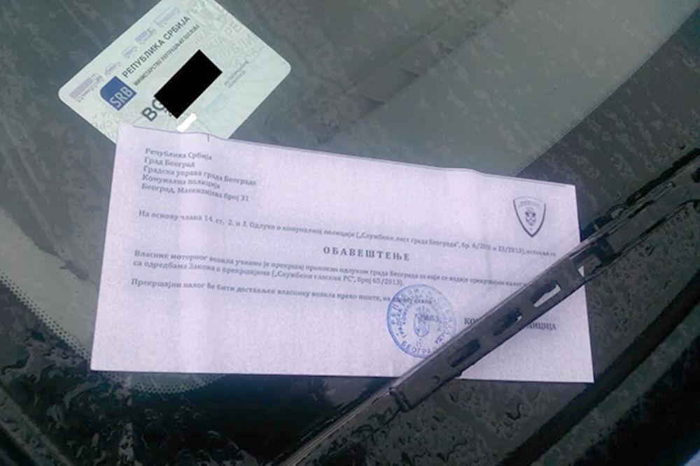 KOMUNALCI U AKCIJI: Po kiši za 10 minuta 30 kazni bez celofana polepili po vozilima
