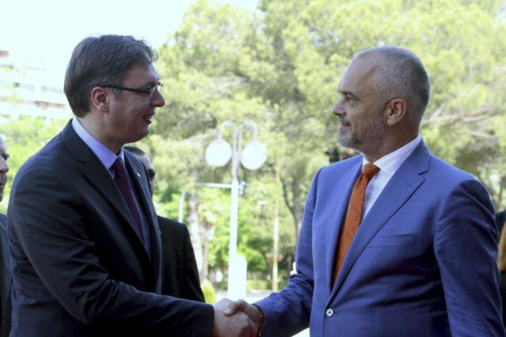 Vučić završio dvodnevnu posetu Tirani