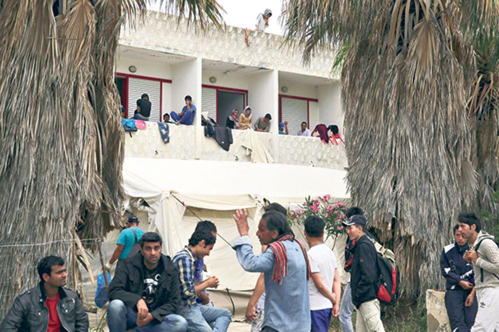 HAOS: Migranti zauzeli Grčku!