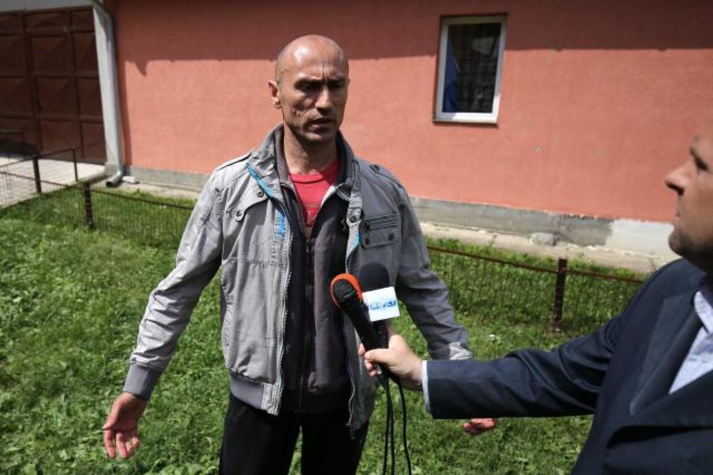 SPECIJALCI SE POVUKLI: Sprečeno iseljenje srpske porodice u Kosovskoj Mitrovici