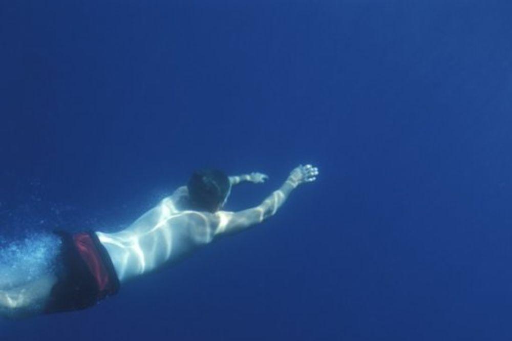 ČUDOM PREŽIVEO: Tinejdžer ostao živ pod vodom nakon 42 minuta bez vazduha!