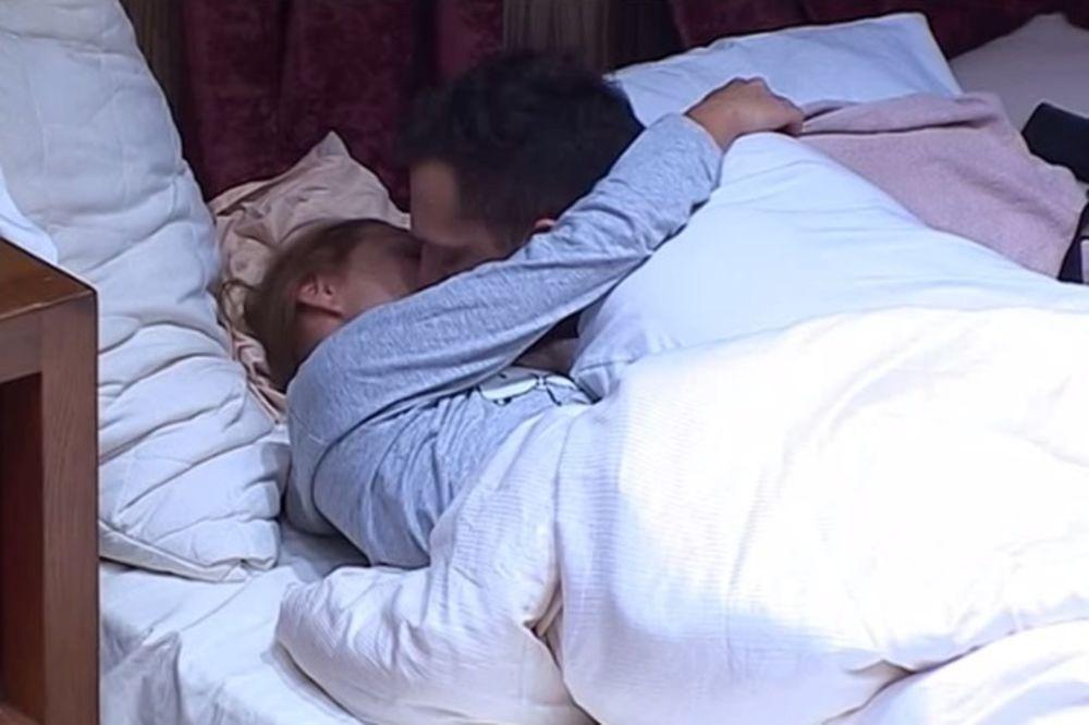 (VIDEO) SVE PRŠTI OD STRASTI: Šavija i Gastoz se ljubili u krevetu!
