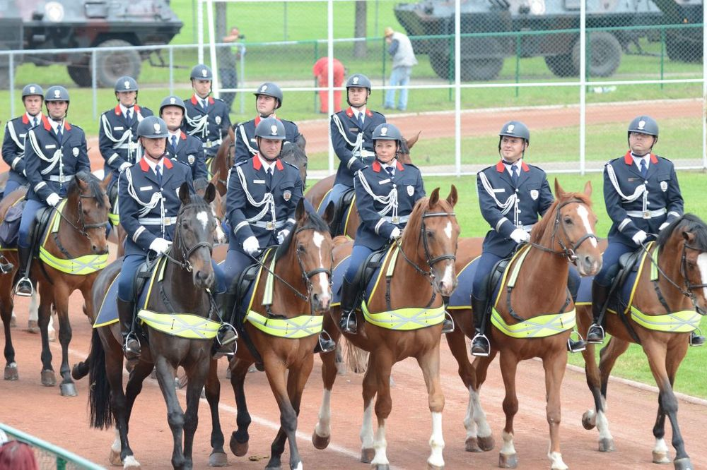 (FOTO) DAN POLICIJE: Ovako je izgledala generalna proba za proslavu u nedelju