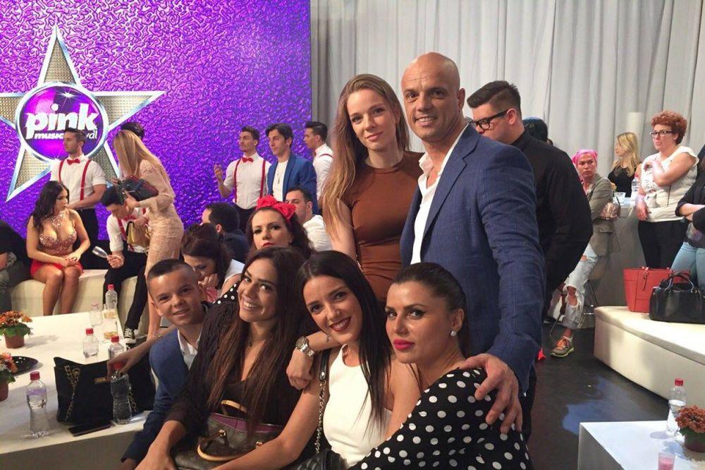 BOBAN ČAROBNJAK: Rajović preko telefona pevao na proslavi svoje ćerke!