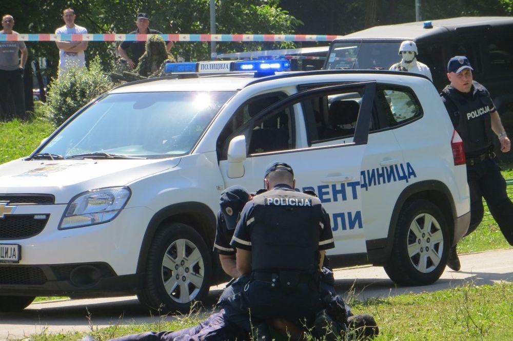 (FOTO) DAN POLICIJE: Plavi anđeli slavili s najmlađim Nišlijama