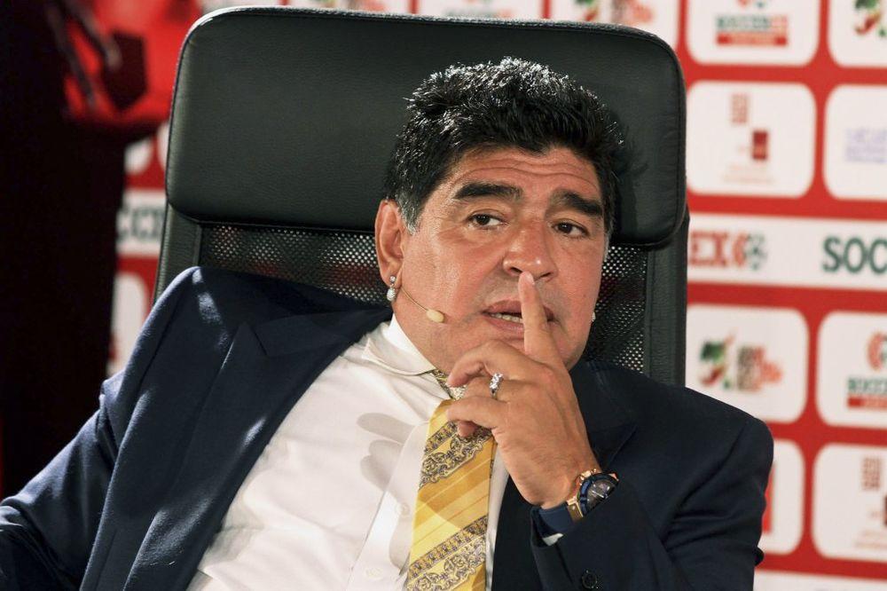 UMRO NA INTERNETU: Maradona mrtav, a daje izjave