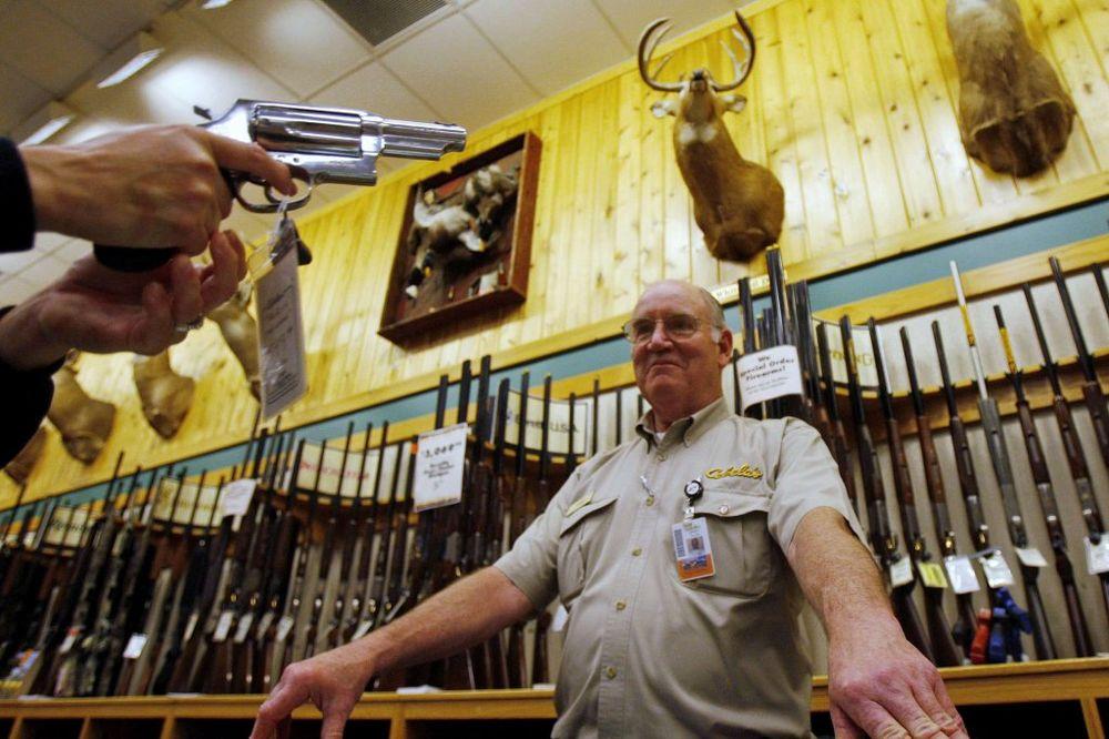 KAD ZAPUCAJU...: Teksašani izglasali da mogu da nose pištolje za pojasom?!