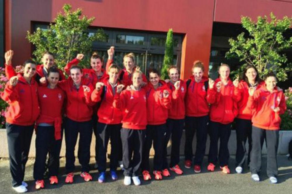 Košarkašice Srbije podržale akciju Podignimo Stupove