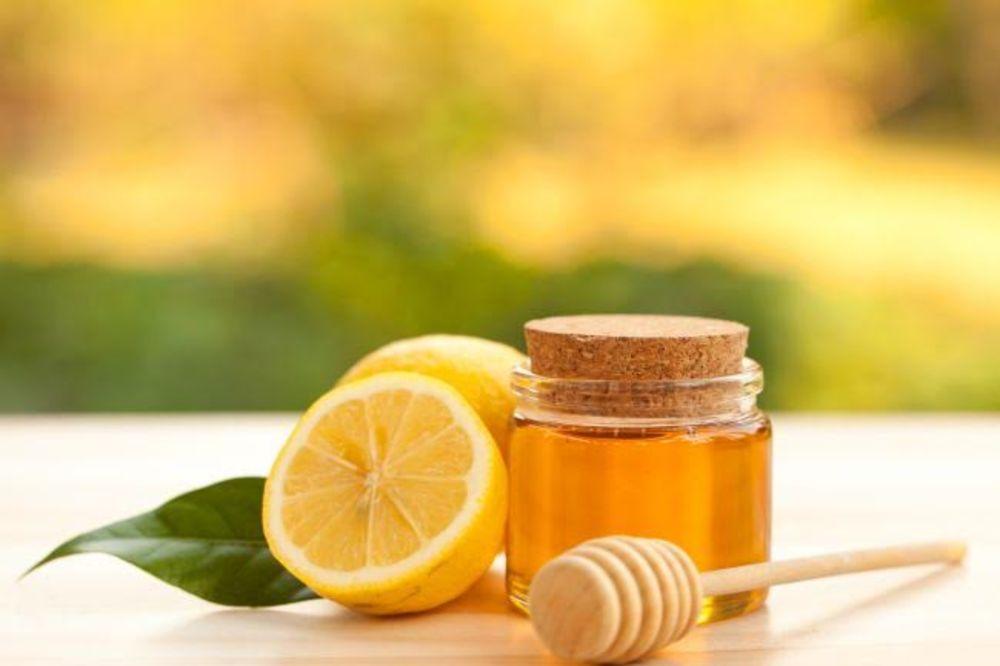 KOMBINACIJA MEDA I LIMUNA: Jača imunitet, poboljšava varenje, pomaže u mršavljenju...