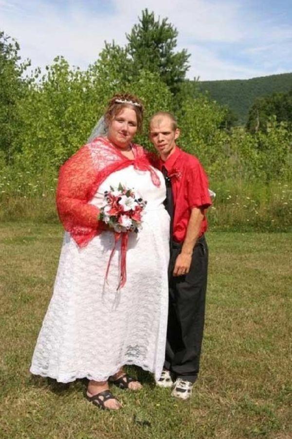 foto mladoŽenje beŽite ove mlade imaju najružnije venčanice svih