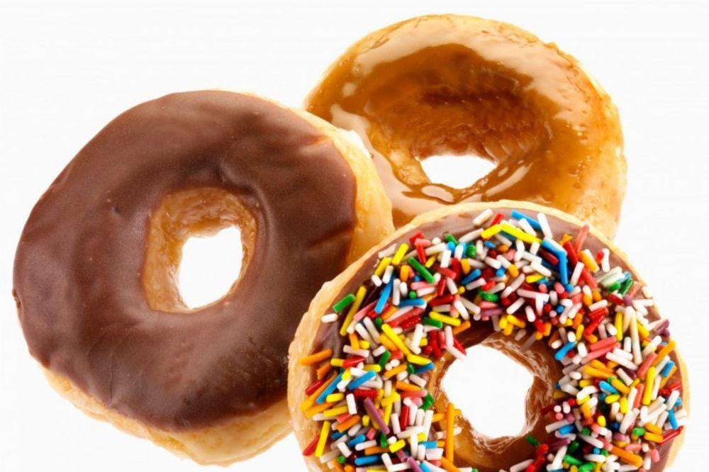 OVAJ MALI TRIK PREVARIĆE VAŠE TELO: Zahvaljujući njemu neće vam se jesti slatko