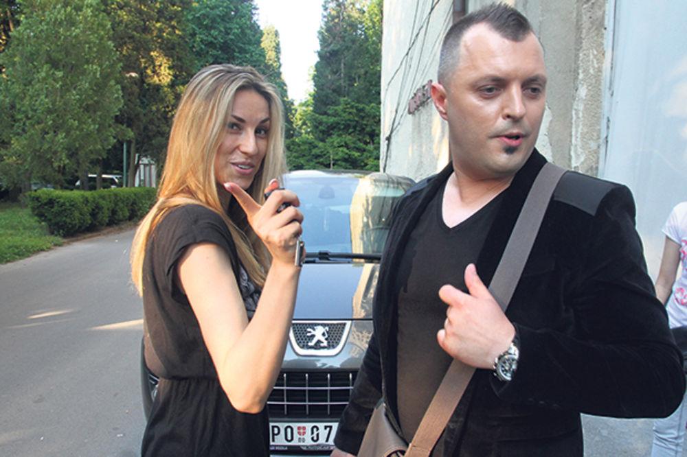 (FOTO) ŽIRI NE PRESTAJE DA HVALI: Brat Rade Manojlović potpuno promenio imidž