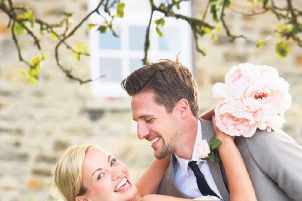 BRAĆA OŽENJENA ISTOM ŽENOM: Ovo su najčudnije forme braka koje postoje, a neke su neverovatne