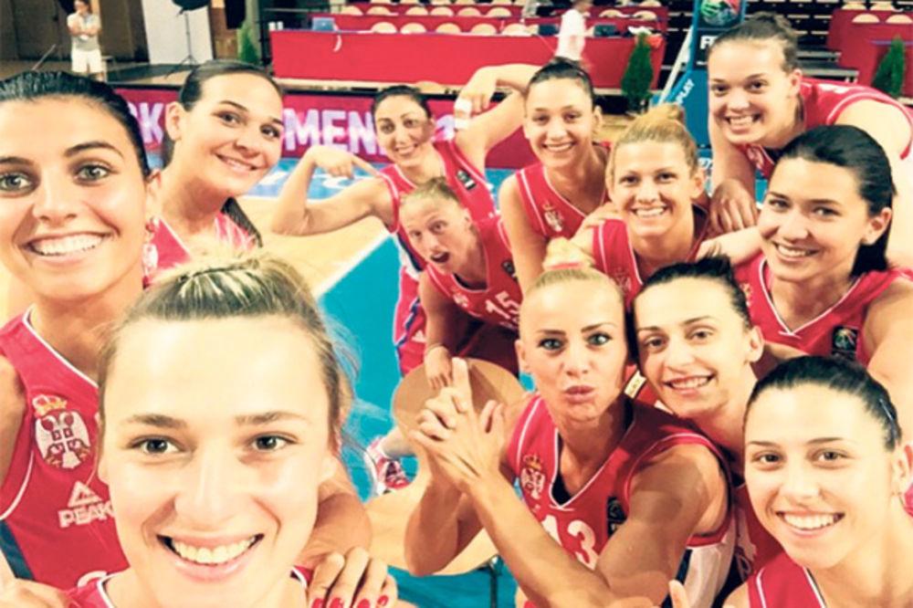 Oduševiće vas: Pogledajte šta su košarkašice Srbije dobile na poklon (VIDEO)