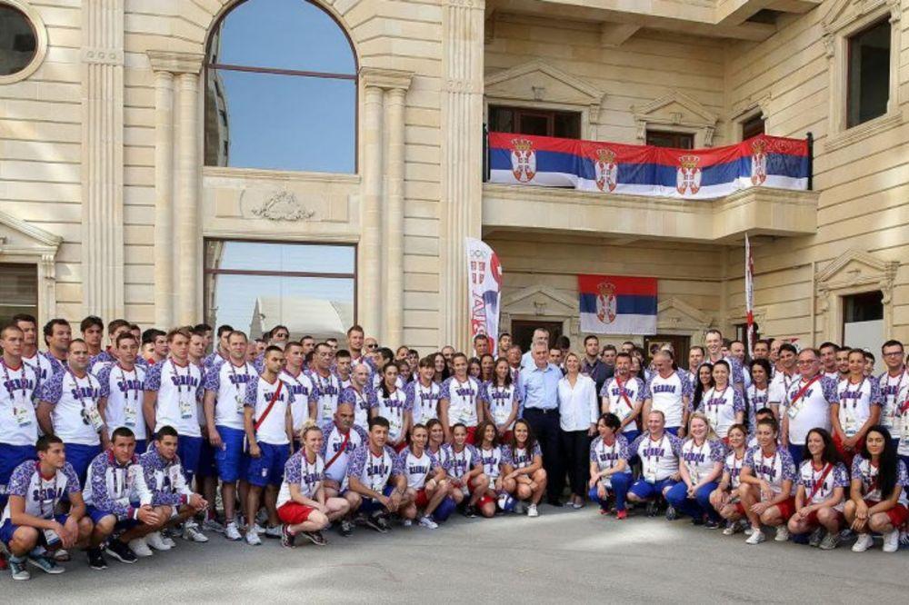 (FOTO) POSETA: Predsednik Nikolić i ministar Udovičić obišli srpski tim u Bakuu