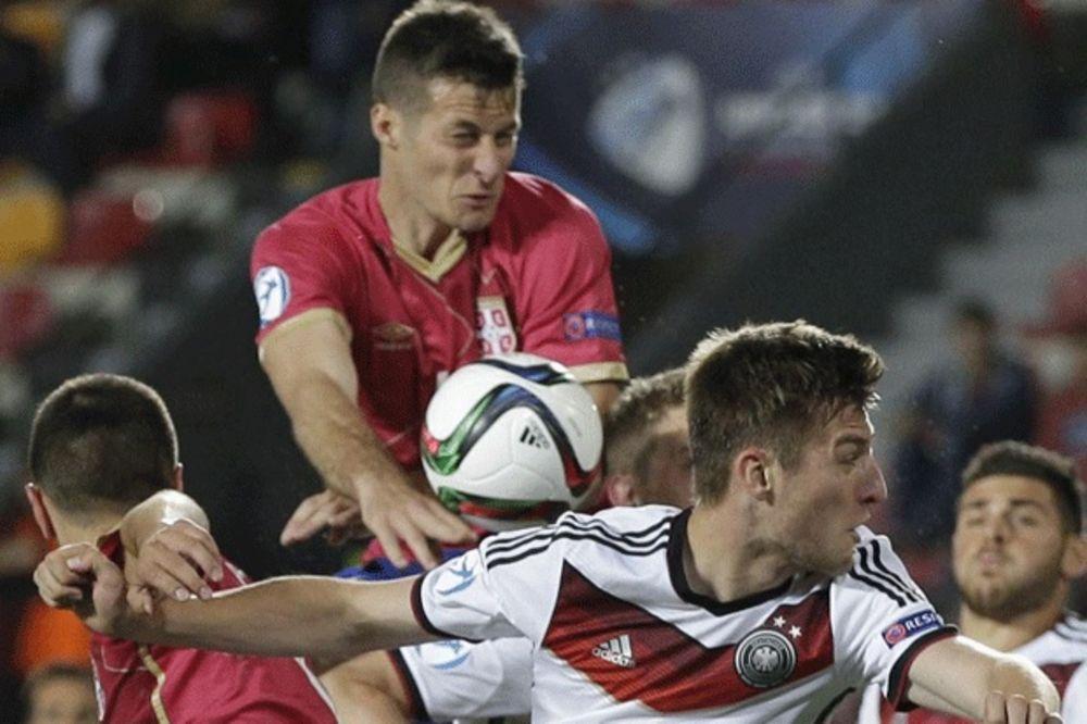 DEBITANTI PRESREĆNI: Čast je igrati za Srbiju!