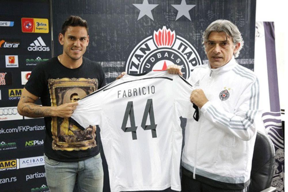(FOTO, VIDEO) CRNO-BELI BROJ 44: Novi Partizanov Brazilac nema pojma ko je Kleo