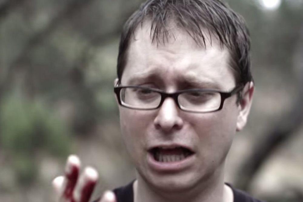(VIDEO) DRAMATIČNA ISPOVEST: Kupio sam kupaće gaće, i zbog njih umalo izgubio...
