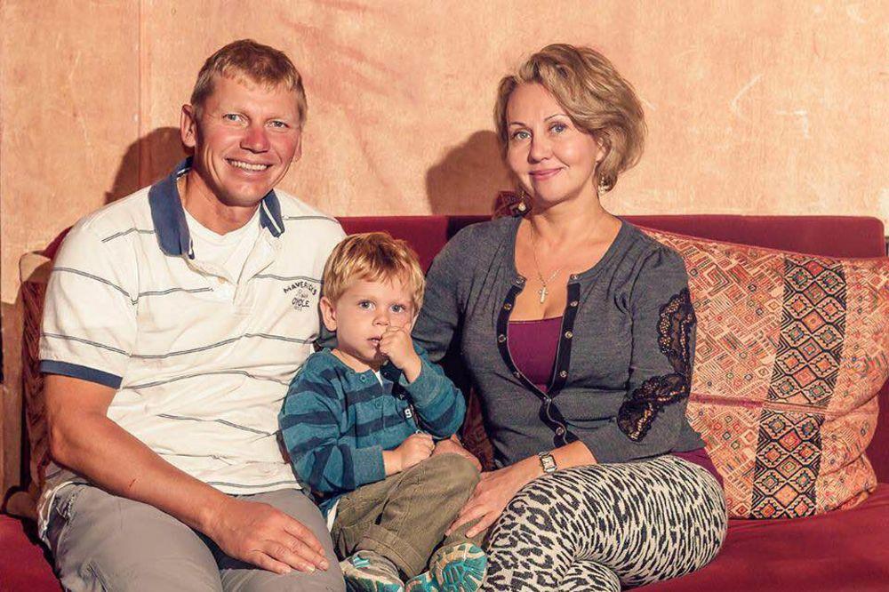 KAO U FILMU: Pobegli su 11.000 kilometara od Putina, ali on ih je svejedno našao!