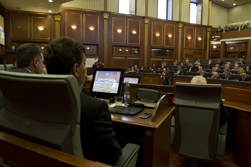 PRETNJE SRPSKIM POSLANICIMA: Ako podržite sud za zločine OVK moraćete da napustite Kosovo