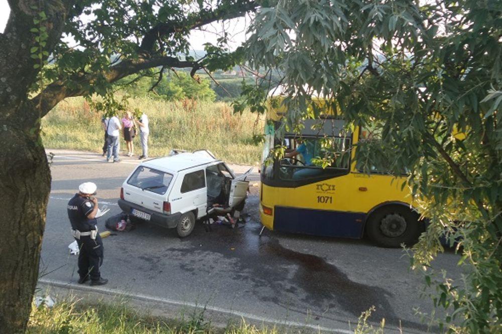 SUDAR AUTOBUSA I AUTA NA SMEDEREVSKOM PUTU: Poginula žena, troje povređenih!
