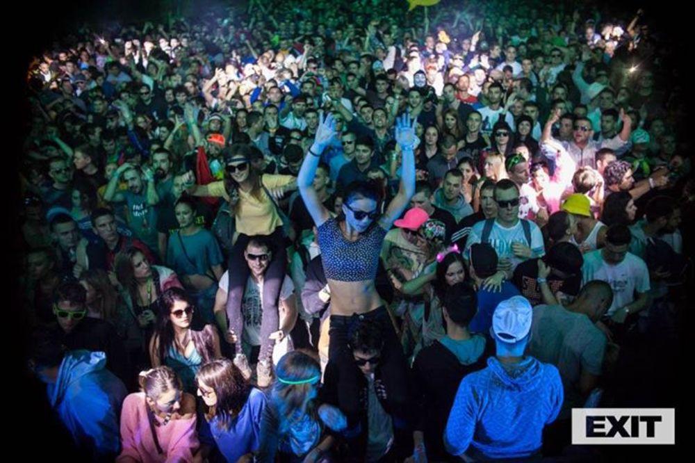 Velika ЕXIT promo žurka u petak u klubu Drugstore