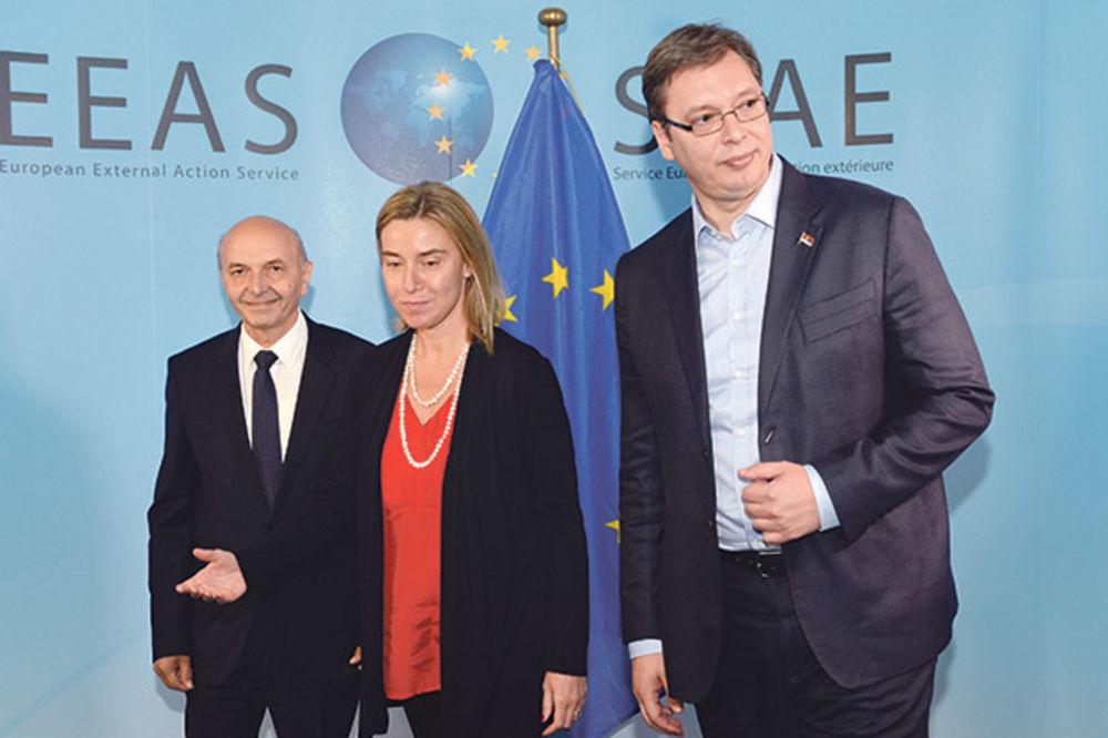 PRETNJA MERKELOVE: Nema ništa od EU pre dogovora u Briselu!
