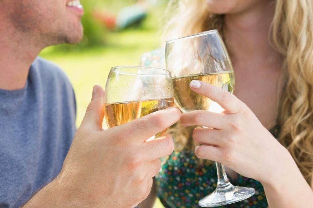 ŽIVELI U TO IME: Parovi koji piju zajedno, ostaju duže u vezi