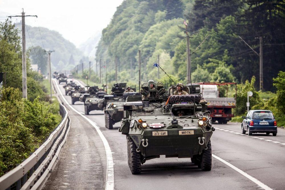 AMERIČKA OKLOPNA VOZILA PROŠLA KROZ AUSTRIJU: Štrahe: Šta to NATO sprema na Istoku?!