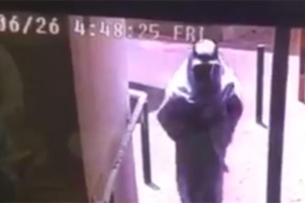 (VIDEO) OVO JE TERORISTA SAMOUBICA: Digao džamiju u vazduh i razneo sebe