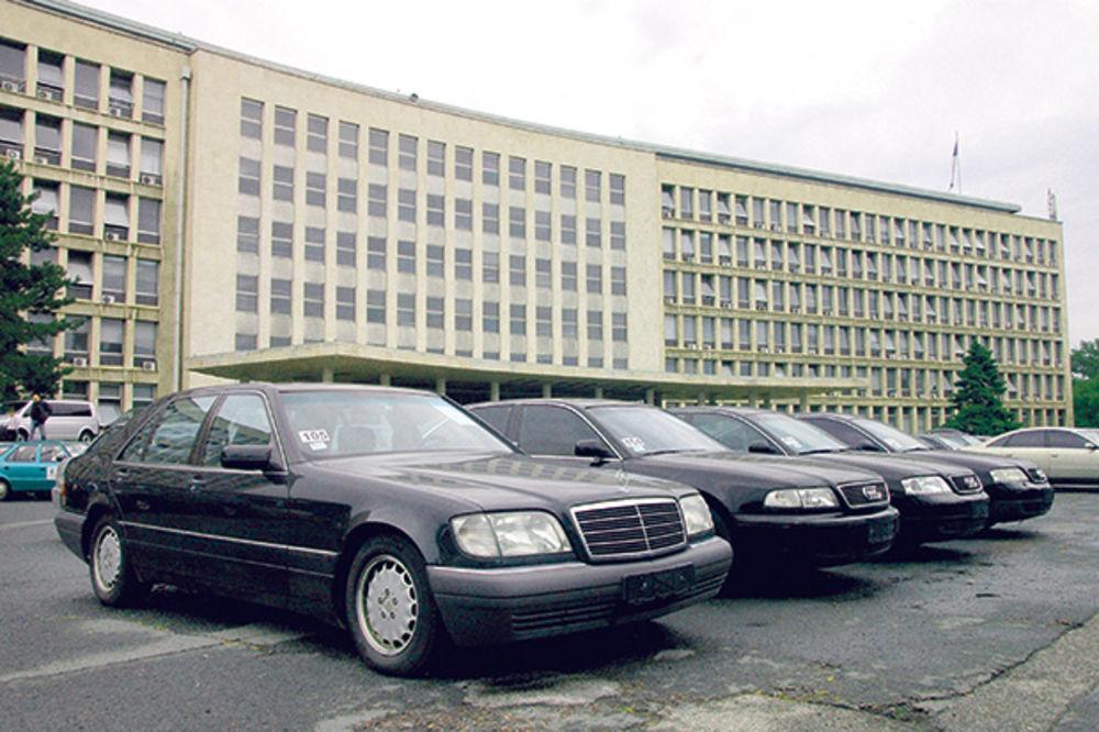 KO PONUDI NAJVIŠE, NJEGOV JE: Sutra u Palati Srbija prodaju se državni automobili