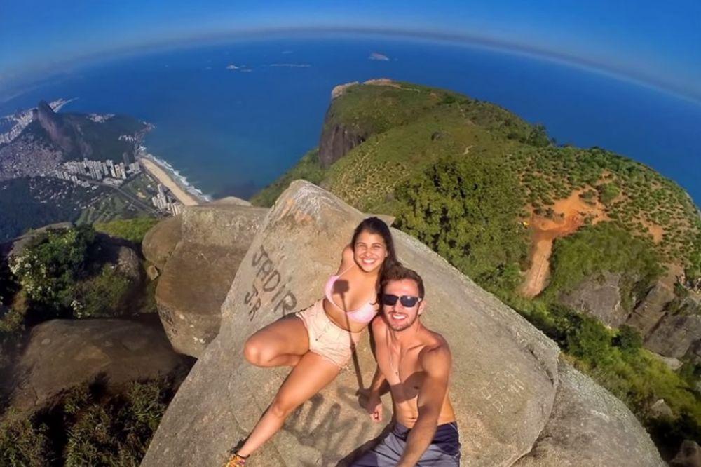 (FOTO) ŽIVOT NA IVICI: Ono što radi ovaj brazilski par će vas ostaviti bez daha